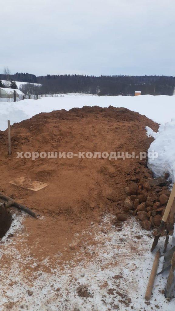 Колодец на воду 10 колец в д. Обухово, Шаховской р-н, Подмосковье.