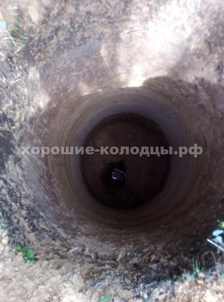Колодец на воду 11 колец в д. Кострово, Истринский р-н, Подмосковье.