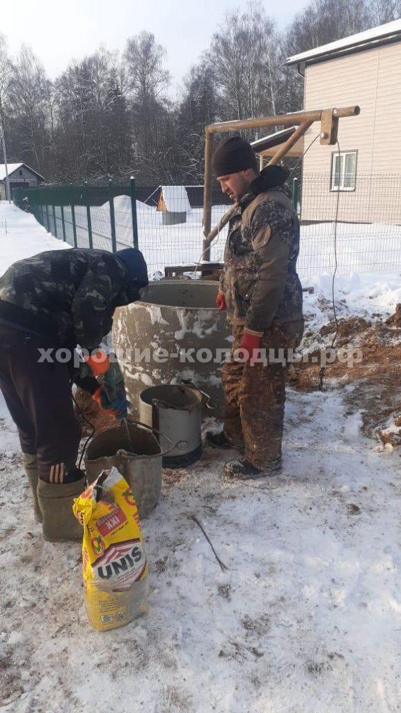 Колодец на воду 8 колец в КП Пятница, Волоколамский р-н, Подмосковье.