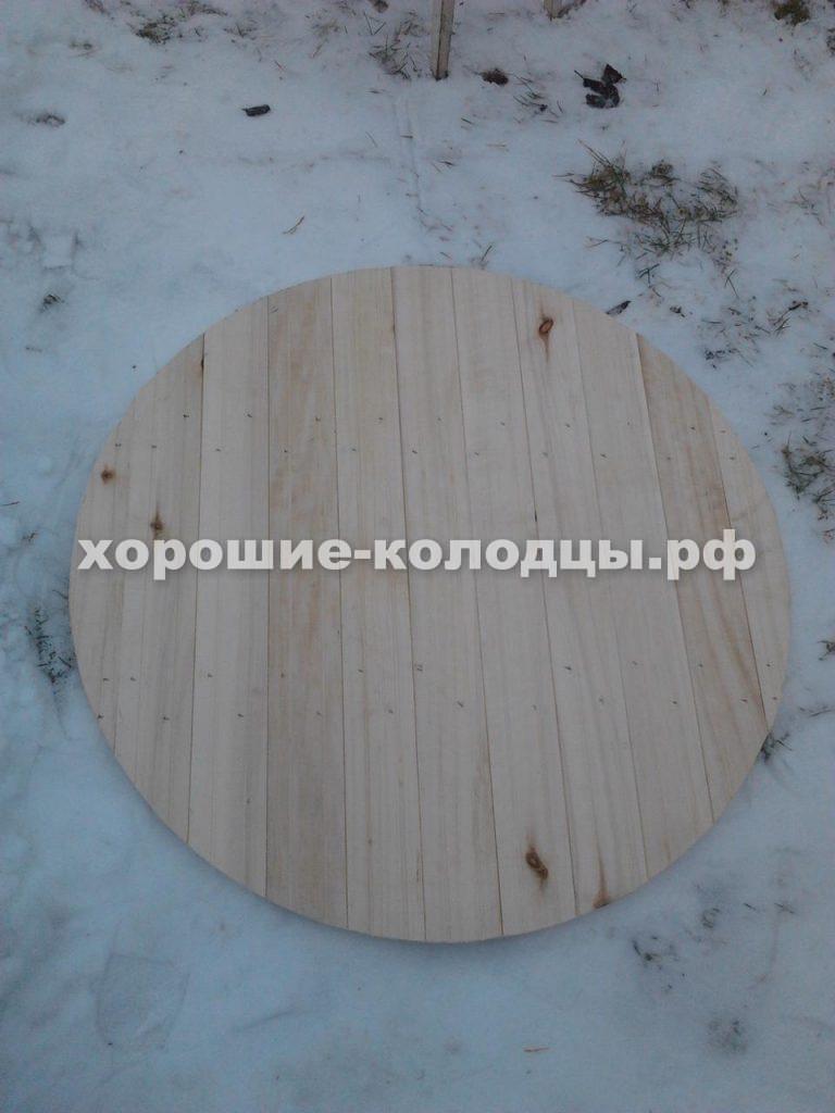 Чистка колодца с установкой осинового щита на дно в, д. Деньково, Истринский р-н, Подмосковье.