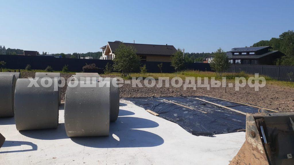 Колодец на воду 6 колец в КП Пятница, Волоколамский р-н, Подмосковье.