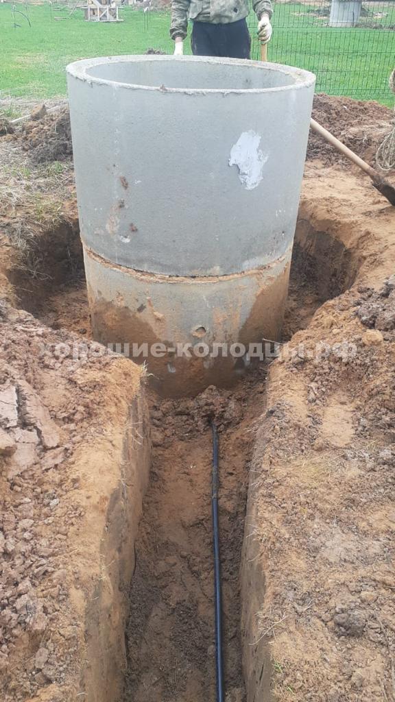 Чистка колодца на воду 7 колец в с. Осташёво, Волоколамский р-н, Подмосковье.