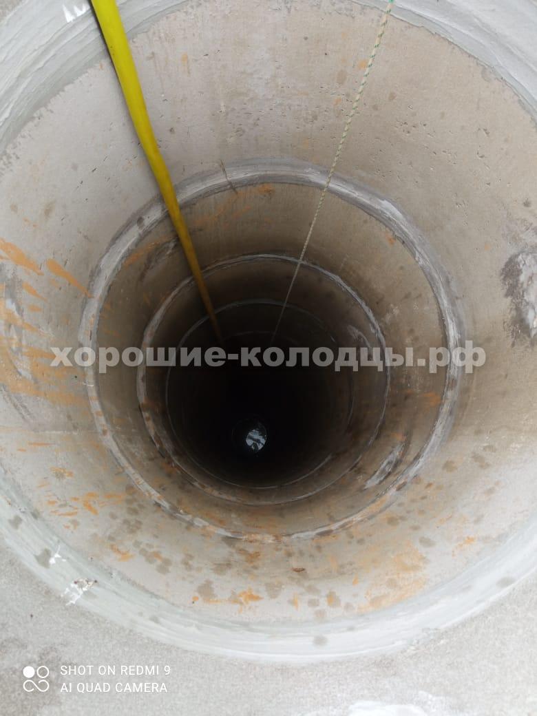 Чистка колодца на воду 18 колец в д. Брикет, Рузский р-н, Подмосковье.