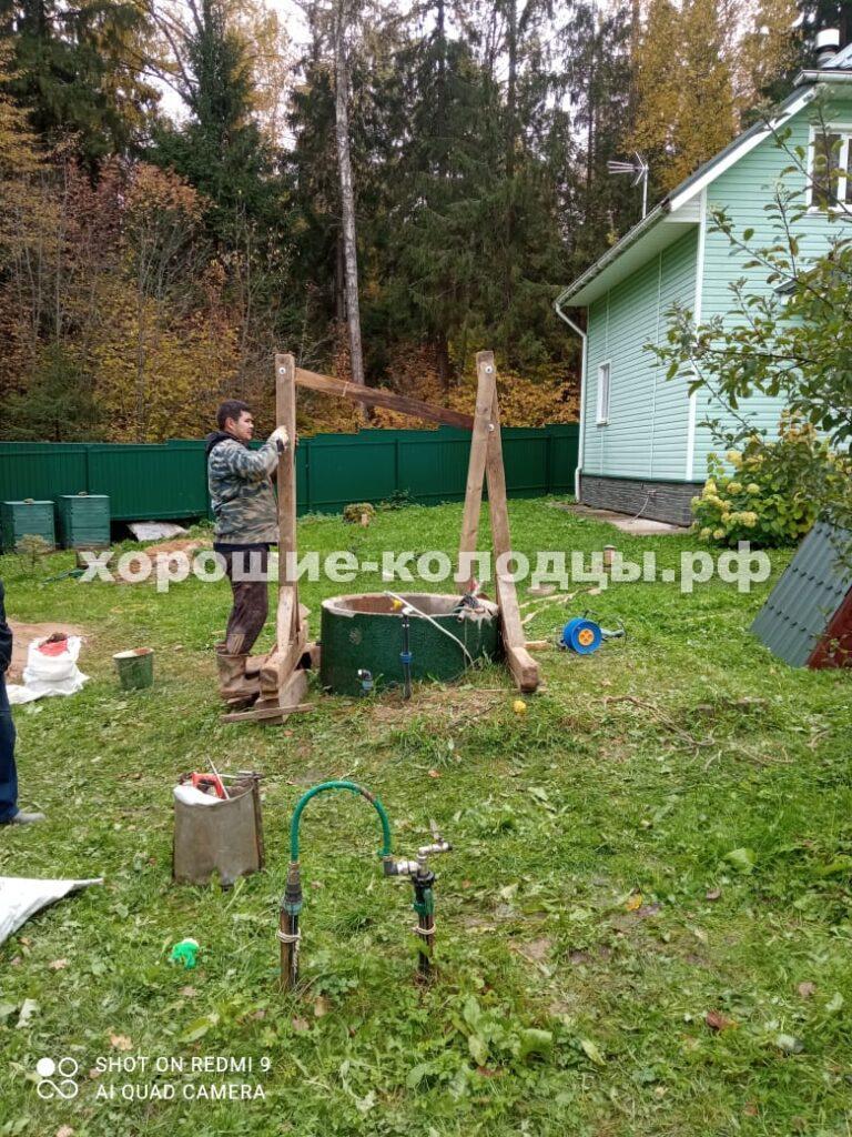 Чистка колодца 7 колец в СНТ Красный Октябрь, Истринский р-н, Подмосковье.